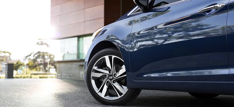 2015 Hyundai Elantra Sedan_13_LG